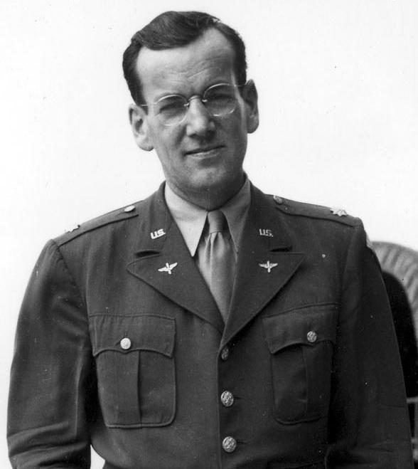 Glen-Miller-Major-in-US-Army-uniform