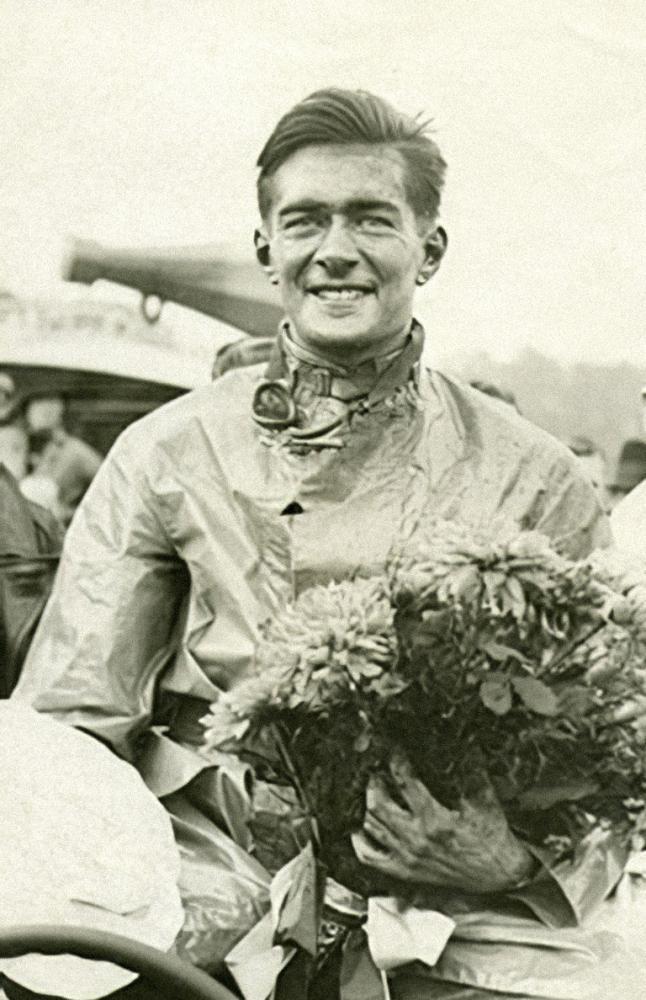 Richard-Shuttleworthwinning-at-Donington-Park-1934768pxw